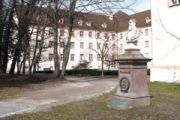Benediktinerplatz_Friedrich-III